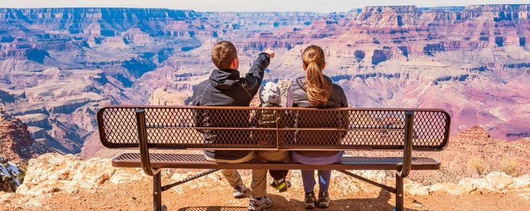Allianz - family at grand canyon